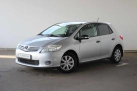 Toyota Auris 2010 г. (серебряный)