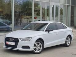 Audi A3 2017 г. (белый)
