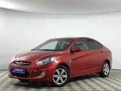Hyundai Solaris 2013 г. (красный)