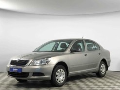 Škoda Octavia 2011 г. (серебряный)