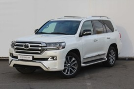 Toyota Land Cruiser 2017 г. (белый)