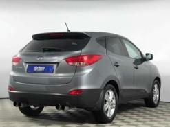 Hyundai ix35 2013 г. (серебряный)