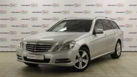 Mercedes-Benz E-klasse 2013 г. (серебряный)