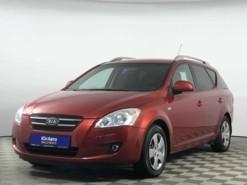 Kia Ceed 2009 г. (красный)
