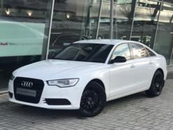 Audi A6 2012 г. (белый)