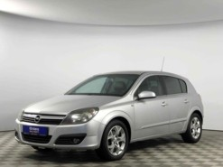 Opel Astra 2006 г. (серебряный)