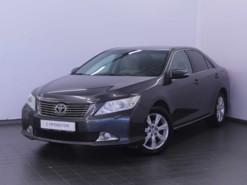 Toyota Camry 2012 г. (серый)