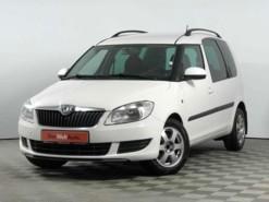 Škoda Roomster 2010 г. (белый)