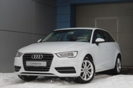 Audi A3 2013 г. (белый)