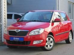 Škoda Fabia 2011 г. (красный)