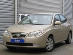 Hyundai Elantra 2010 г. (бежевый)