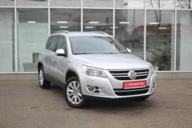 Volkswagen Tiguan 2009 г. (серебряный)