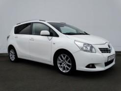 Toyota Verso 2012 г. (белый)