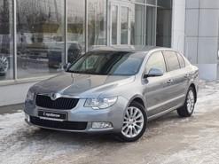 Škoda Superb 2012 г. (серый)