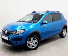 Renault Sandero 2015 г. (синий)