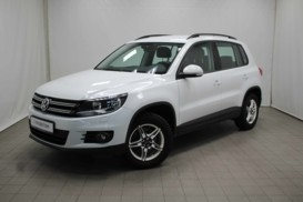Volkswagen Tiguan 2015 г. (белый)