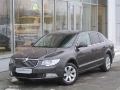 Škoda Superb 2011 г. (серый)