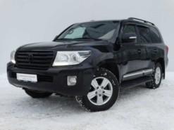 Toyota Land Cruiser 2013 г. (черный)