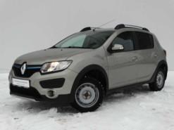 Renault Sandero 2015 г. (бежевый)