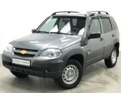 Chevrolet Niva 2018 г. (серый)