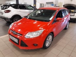 Ford Focus 2014 г. (красный)