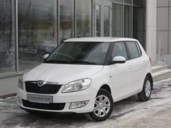Škoda Fabia 2013 г. (белый)