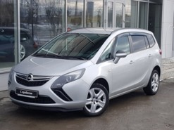 Opel Zafira 2012 г. (серебряный)