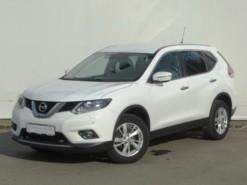 Nissan X-Trail 2015 г. (белый)