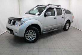 Nissan Navara 2008 г. (серебряный)