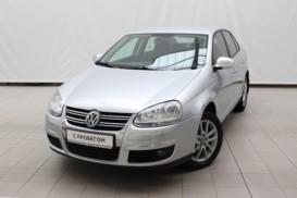 Volkswagen Jetta 2010 г. (серебряный)