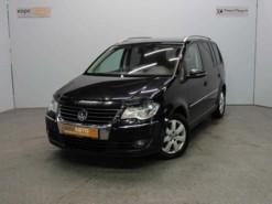 Volkswagen Touran 2010 г. (черный)