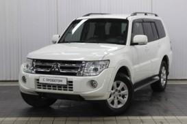 Mitsubishi Pajero 2011 г. (белый)