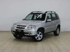 Chevrolet Niva 2013 г. (серебряный)