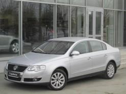 Volkswagen Passat 2008 г. (серебряный)