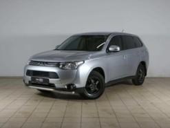 Mitsubishi Outlander 2012 г. (серебряный)