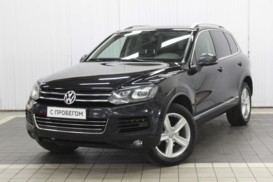 Volkswagen Touareg 2010 г. (черный)