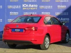 Volkswagen Jetta 2014 г. (красный)
