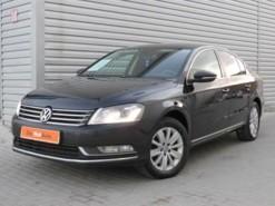 Volkswagen Passat 2012 г. (черный)