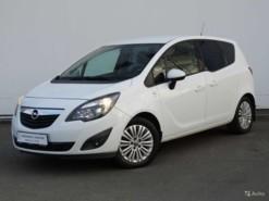 Opel Meriva 2013 г. (белый)