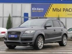 Audi Q7 2011 г. (серый)
