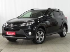 Toyota RAV4 2015 г. (черный)