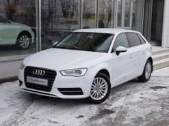 Audi A3 2014 г. (белый)
