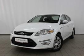 Ford Mondeo 2011 г. (белый)