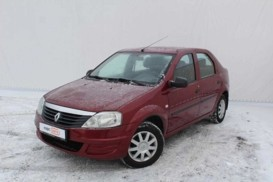 Renault Logan 2012 г. (красный)