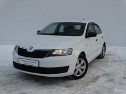Škoda Rapid 2015 г. (белый)