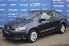 Volkswagen Polo 2015 г. (синий)
