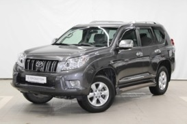 Toyota Land Cruiser Prado 2010 г. (черный)