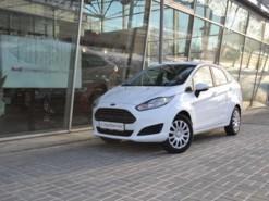 Ford Fiesta 2016 г. (белый)