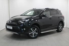 Toyota RAV4 2016 г. (черный)