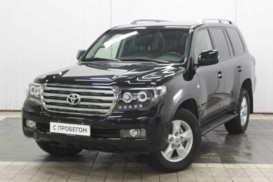 Toyota Land Cruiser 2011 г. (черный)